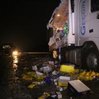 20161221_A96_Aitrach_Aichstetten_Lkw-Unfall_Ladung_Polizei_Poeppel_0022