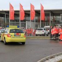 20161225_Augsburg_Fliegerbombe_Entschaerfung_Evakuierung_BRK_JUH_MHD_Polizei_Feuerwehr_THW_Tauber_Bruder_new-facts-eu_0085