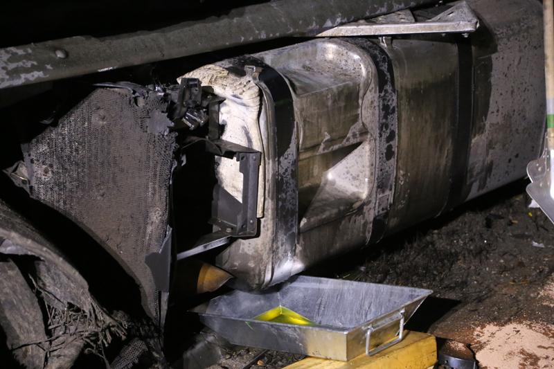20161227_A96_Aitrach_Aichstetten_Lkw-Unfall_Feuerwehr_Poeppel_0049