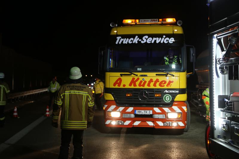 20161227_A96_Aitrach_Aichstetten_Lkw-Unfall_Feuerwehr_Poeppel_0069