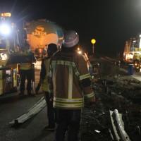 20161227_A96_Aitrach_Aichstetten_Lkw-Unfall_Feuerwehr_Poeppel_0128