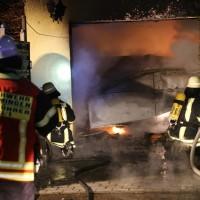 2016_Memmingen-Amendingen_Brand_Pkw_Garage_Feuerwehr_Poeppel_0013