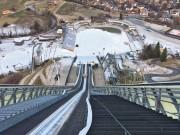 Blick von der Olympiaschanze in Garmisch-Partenkirchen ins Stadion. Foto: Michael Maurer