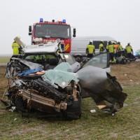 20170102_B12_Jengen_Unfall_Transporter_Pkw_Feuerwehr_Christoph40_dedinag_new-facts-eu_0008