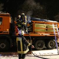 20170102_Biberach_Schwendi_Brand_Winterdienstfahrzeug_Feuerwehr_Poeppel_0005