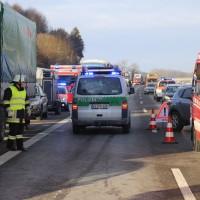 20170110_A96_Woerishofen_Buchloe_Wertach-Parkplatz_Unfall_Lkw-Pkw-Feuerwehr_Poeppel_0017