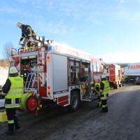 20170110_A96_Woerishofen_Buchloe_Wertach-Parkplatz_Unfall_Lkw-Pkw-Feuerwehr_Poeppel_0020