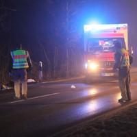 20170211_Memmingen_Volkratshofen_Ferthofen_Pkw_Fussgaenger_Unfall_Polizei_Poeppel_0027