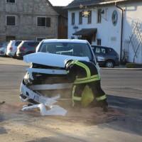 20170216_Biberach_Illerbachen_Unfall_Polizei_Feuerwehr_Poeppel_0004
