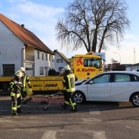 20170216_Biberach_Illerbachen_Unfall_Polizei_Feuerwehr_Poeppel_0009