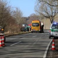 20170216_Unterallgaeu_Tussenhausen_Türkheim_Lkw-Unfall_Feuerwehr_Poeppel_0001