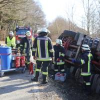 20170216_Unterallgaeu_Tussenhausen_Türkheim_Lkw-Unfall_Feuerwehr_Poeppel_0006
