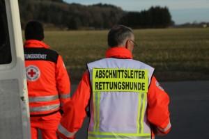 201710226_Unterallgaeu_Mindelheim_Vermisstensuche_Hilfeschreie_Rettungshunde_Polizei_Feuerwehr_Poeppel_0003