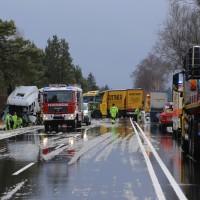 20170307_B17_Landsberg_Lkw-Unfall_Feuerwehr_Poeppel_0002