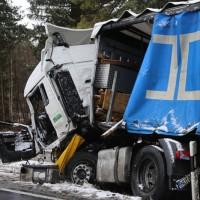 20170307_B17_Landsberg_Lkw-Unfall_Feuerwehr_Poeppel_0008