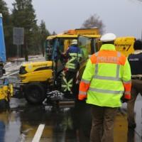 20170307_B17_Landsberg_Lkw-Unfall_Feuerwehr_Poeppel_0023