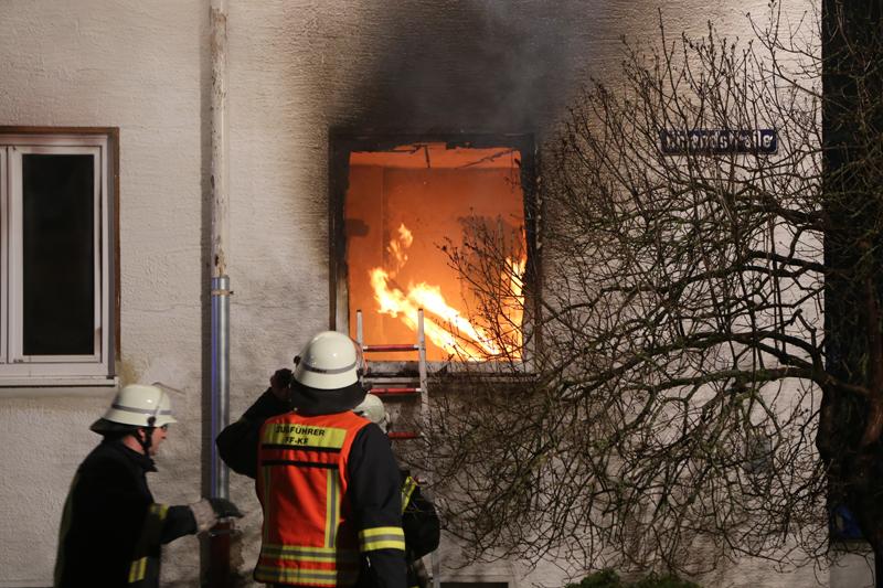 20170307_Kaufbeuren_Brand-Wohnung_Feuerwehr_dedinag_00020