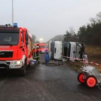 20170324_A96_Weissensberg_Lkw-Unfall_Feuerwehr_Oel_Poeppel_0001