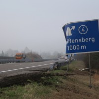 20170324_A96_Weissensberg_Lkw-Unfall_Feuerwehr_Oel_Poeppel_0011