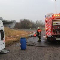 20170324_A96_Weissensberg_Lkw-Unfall_Feuerwehr_Oel_Poeppel_0015