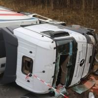 20170324_A96_Weissensberg_Lkw-Unfall_Feuerwehr_Oel_Poeppel_0020