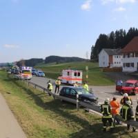 20170328_B465_Bad-Wurzach_Leutkirch_Frontalzusammenstoss_Feuerwehr_Poeppel_0020