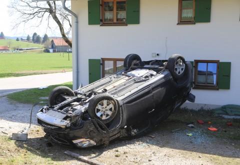 20170330_Ostallgaeu_Goerwangs_Unfall_Ueberschlag_Polizei_Poeppel_0006