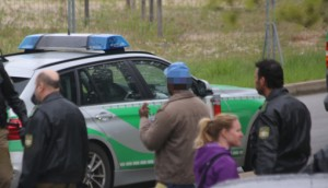 20140414_Unterallgaeu_Memmingerberg_Asylunterkunft_Allgaeu-Airport_Polizeieinsatz_Poeppel_0025