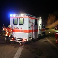 20170401_A96_leutkirch_Unfall_Pkw-Transporter_Feuerwehr_Poeppel_0011