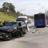 20170404_Kaufbeuren_Bus_Pkw_Unfall_Rettungsdienst_Polizei_dedinag_0004