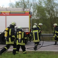 20170410_A96_Stetten_Pkw-Brand_Feuerwehr_Poeppel_0004