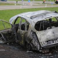 20170410_A96_Stetten_Pkw-Brand_Feuerwehr_Poeppel_0012