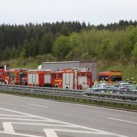 20170425_A96_Buchloe_Tuerkheim_Wertach_Lkw_Unfall_Feuerwehr_Poeppel_0001