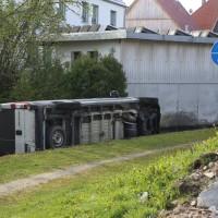 20170506_Unterallgaeu_Erkheim_Transporter_Bach_Kran-Feuerwehr_Poeppel_0008