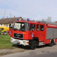 20170506_Unterallgaeu_Erkheim_Transporter_Bach_Kran-Feuerwehr_Poeppel_0013
