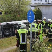 20170506_Unterallgaeu_Erkheim_Transporter_Bach_Kran-Feuerwehr_Poeppel_0026