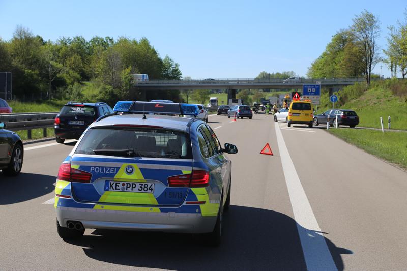 20170517_A7_Dietmannsried_Angaenger_Unfall_Polizei_Poeppel_0023