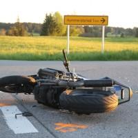 20170517_Ostallgaeu_Balteratsried_Motorrad_Unfall_Traktor_Polizei_Poeppel_0001