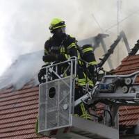 20170605_Neu-Ulm_Altenstadt_Brand_Wohnhaus_Reihenhaus_Feuerwehr_poeppel_0005