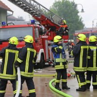 20170605_Neu-Ulm_Altenstadt_Brand_Wohnhaus_Reihenhaus_Feuerwehr_poeppel_0019