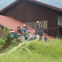 20170624_Oberallgaeu_Blaichach_Tanne_Heustock_Ueberhitzt_Brand_Feuerwehr_Poeppel_0002