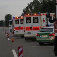 20170625_A7_Groenenbach_Woringen_Kleinbus_Unfall_Feuerwehr_Poeppel_0010