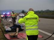 20170625_A7_Groenenbach_Woringen_Kleinbus_Unfall_Feuerwehr_Poeppel_0019