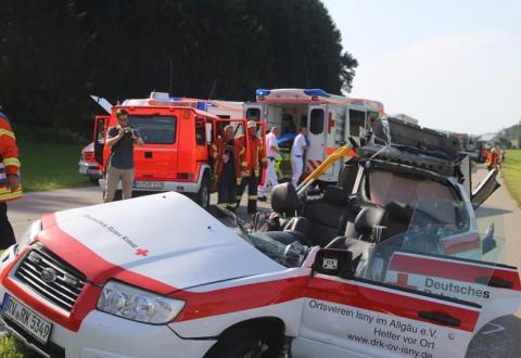 2017-07-19_B465_Leutkirch_Diepoldshofen_Unfall_DRK_Lkw_Feuerwehr_Poeppel-0004