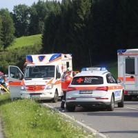 2017-07-19_B465_Leutkirch_Diepoldshofen_Unfall_DRK_Lkw_Feuerwehr_Poeppel-0013
