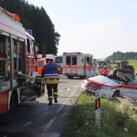 2017-07-19_B465_Leutkirch_Diepoldshofen_Unfall_DRK_Lkw_Feuerwehr_Poeppel-0016