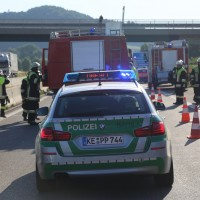 20170706_A96_Holzguenz_Erkheim_Unfall_Transporter_Vollsperrung_Feuerwehr_Poeppel_0001