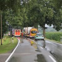 20170714_Unterallgaeu_Wiedergeltingen_Unfall_Pkw_Baum_Feuerwehr_Poeppel-0001