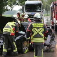 20170714_Unterallgaeu_Wiedergeltingen_Unfall_Pkw_Baum_Feuerwehr_Poeppel-0010