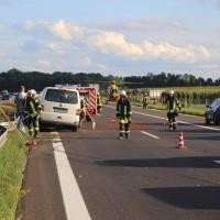2017-08-13_A7_Dettingen_Berkheim_Unfall_Transporter_Feuerwehr_Poeppel-0001